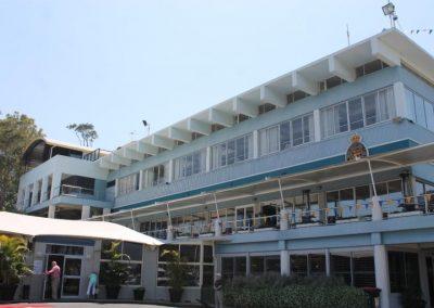 yacht club2